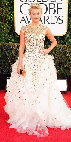 She is always breathtaking, but this dress is a show-stopper!!! Holy moly, I would love to rock this dress! Julianne Hough