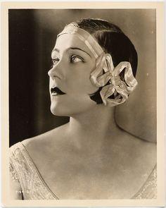 Gloria Swanson.  Love the headband!