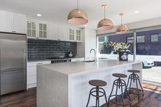 Modern country kitchen with Caesarstone island bench Modern Country Kitchens, Cool Kitchens, First Kitchen, New Kitchen, Studio Kitchen, Kitchen Design, Island Bench, Kitchen Gallery, Kitchen Pictures