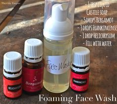 Foaming Face Wash for supporting and cleansing oily to normal skin.