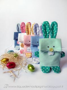 Ed anche quest'anno ecco qua le mie creazioni e regalini pasquali! Questi sono dei sacchettini portaovetti (in vendita nei miei negozietti!)...