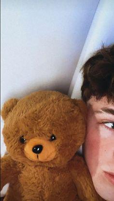 Cute Boy Things, Cute Guys, Foto Best Friend, Teddy Bear Tattoos, Teddy Beer, Hot Skater Boys, Young Cute Boys, Cute White Boys, Boys Long Hairstyles