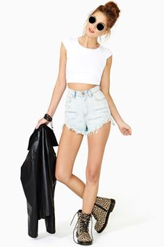 Sweet Persuasion Crop Tee in White-Stealing this Look- Will make DIY cropped top!