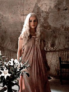 "littlemissdracula: "" daenerys targaryen + outfits requested by anonymous "" Emilia Clarke Daenerys Targaryen, Game Of Throne Daenerys, Emilia Clarke Hot, Emelia Clarke, A Dance With Dragons, Mother Of Dragons, Korean Boys Ulzzang, Game Of Thrones Art, Thranduil"