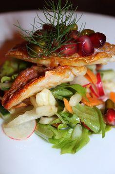 Filet de rouget, salade croquante de légumes et vinaigrette « grenade et pistache