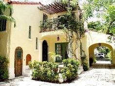 Spanish Revival- carport could be side porch Spanish Colonial Homes, Spanish Style Homes, Spanish House, Spanish Exterior, Spanish Revival, Hacienda Style Homes, Spanish Courtyard, Mexican Hacienda, Spanish Architecture