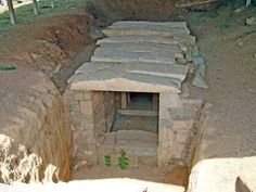 Macedonian Tom of Kalindion, Halkidiki, historical Macedonia northern Greece - Μακεδονικός Θαλαμωτός τάφος Καλινδοίων - Kalindoion Tomb