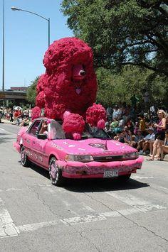 Veículos Bizarros by Daniel Alho / dog car
