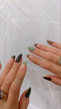 Acrylic Nails Coffin Short, Simple Acrylic Nails, Best Acrylic Nails, Acrylic Nails Green, Green Nail Art, French Acrylic Nails, Edgy Nails, Stylish Nails, Swag Nails