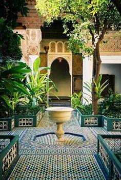 An Eastern-motif garden. Very cool.