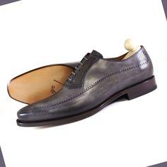 La pelle grande protagonista dell'AI 14-15: dalle calzature uomo in cuoio, tipica espressione delle lavorazioni artigianali, ai capi d'abbigliamento più cool e graffianti.