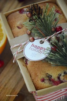Orange Cranberry Bread : Looking for homemade food gifts this Christmas? Try this Orange Cranberry Bread recipe that comes with free printable gift tags! Holiday Bread, Christmas Bread, Christmas Food Gifts, Christmas Goodies, Holiday Baking, Homemade Christmas, Christmas Baking, Diy Christmas, Christmas Blessings