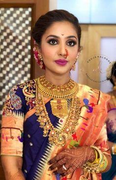 Stunner👀 The Grand Maratha Paithani look with magenta lips. Blouse Designs Silk, Bridal Blouse Designs, Maharashtrian Saree, Maharashtrian Jewellery, Marathi Bride, Marathi Nath, Marathi Wedding, Nauvari Saree, Wedding Saree Collection