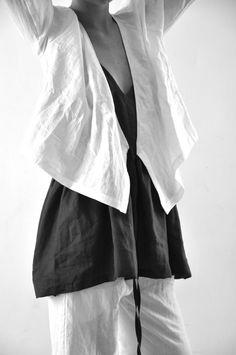 Black & White Linen