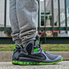 the best attitude c3a53 f660e Nike LeBron 9