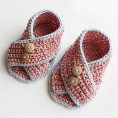 #Free Pattern;crochet;Baby Sandals Piccolini pattern on Craftsy.com ~~