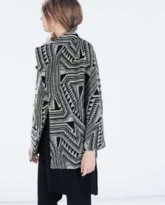 PRINTED SHORT COAT WITH LAPELS