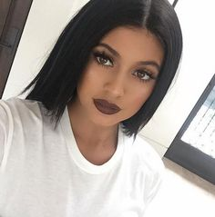 Finally: Khloé Forces Kylie Jenner to 'Fess Up About Her Fake Lips Kylie Jenner Lipstick, Moda Kylie Jenner, Style Kylie Jenner, Maquillaje Kylie Jenner, Kylie Jenner Fotos, Kyle Jenner, Jessie James, Love Makeup, Makeup Looks