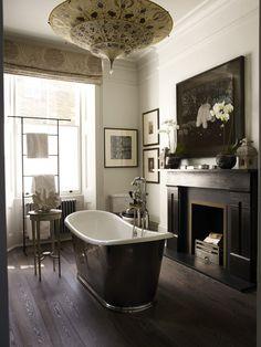 This Notting Hill townhouse was designed by my new favourite interior designer Hubert Zandberg ...