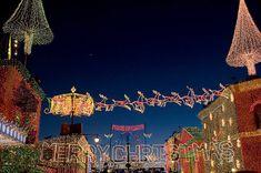 Strobist: How to Photograph Christmas Lights