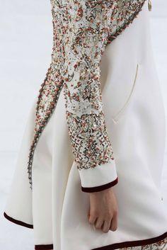 klearly-klassy:  girlannachronism:Chanel fall 2014 couture details   kkxo