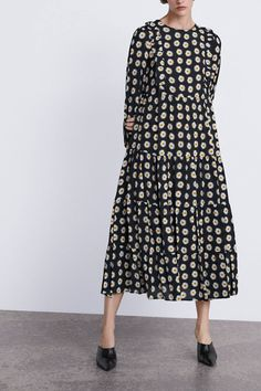 Floral Dresses The Best Summer Floral Dresses Floral Dress Outfits, Winter Dress Outfits, Casual Dress Outfits, Summer Dresses, Floaty Dress, Eyelet Dress, Modest Fashion, Women's Fashion Dresses, Prarie Dress