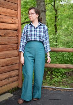 'Gene Tierney'-esqe Lumberjack Shirt and Trousers Love Sewing, Full Figured, Plaid Flannel, Pretty Dresses, Casual Wear, 1940s, Vintage Outfits, Dress Up, Trousers
