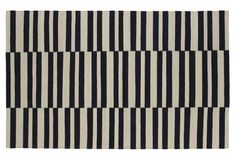 Loving the look of a bold, graphic rug!