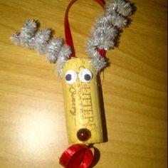 Cute wine cork Christmas tree ornament!