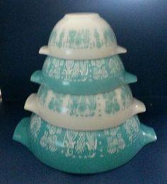 Vintage Pyrex Turquoise Amish Butterprint Cinderella Mixing Bowls Set of 4 #Pyrex #Cinderella