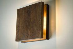 luz de la pared madera SC 33 hecho a mano. Lámpara de madera.