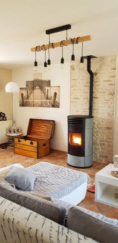 + the decor behind! - Home Page Wood Burner Fireplace, Homemade Cleaning Supplies, Cleaning Tips, Home And Living, Living Room, Home Gadgets, Cooking Gadgets, Pellet Stove, Home Technology