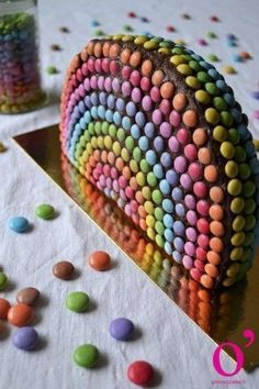 Gâteau arc-en-ciel Plus Cake Sizes And Servings, Cake Servings, Sweet Trees, Troll Party, Candy Cakes, How Sweet Eats, Baby Birthday, Birthday Cake, Cake Images