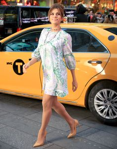 Eva Mendes looks slim in a short minidress while filming a commercial on Feb. 19 in New York City; see the photos of her amazing post-baby bod Post Baby Body, Eva Mendes, New Wardrobe, Summer Looks, Boho Chic, Diva, Celebrity Style, Fashion Outfits, Clothes