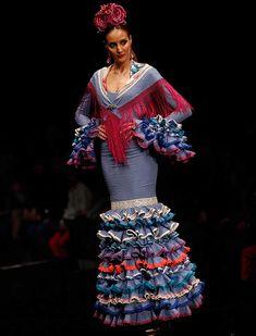 En «Mis sensaciones», Yolanda Rivas se inspira en los que sintió al diseñar vestidos para personalidades como Marina Danko, Ainhoa Arteta o Roko.  (Foto: Rocío Ruz)