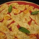 """Pizza+semintegrale+con+farina+di+grano+duro+e+""""besciarella""""+autoprodotta"""