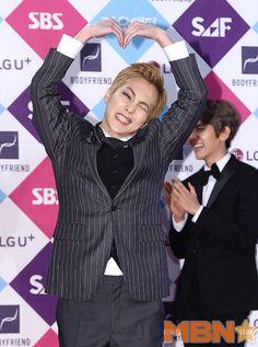 Xiumin - 161226 2016 SBS Gayo Daejun, red carpet Credit: MBN Star. (2016 SBS 가요대전)