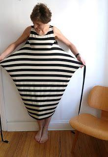 : Kielo Wrap Dress - testet named patterns Sewing Clothes, Diy Clothes, Plus Size Maxi Dresses, Dresses With Sleeves, Wrap Dresses, Clothing Patterns, Dress Patterns, Bright Pink Dresses, Silky Dress