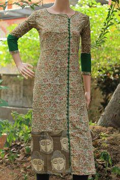 Ideas for sleeves. Add same colour to bottom? Salwar Neck Designs, Churidar Designs, Dress Neck Designs, Blouse Designs, Salwar Pattern, Kurta Patterns, Dress Patterns, Kurtha Designs, Kalamkari Dresses