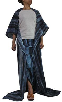 Haori coat of the indigo dyeing style http://www.sawan.org/natural/solid/top/kagoJRL-002-09.html