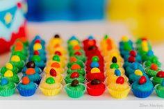 Idéias para uma festa com o tema Circo #CircodaJuju - Bagagem de Mãe Monster Birthday Parties, Lego Birthday Party, 3rd Birthday, Happy Birthday, Birthday Ideas, Clown Party, Troll Party, Circus Theme, Circus Party