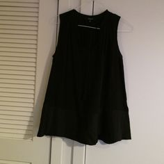 Madewell silk tunic with tassels Black silk tunic with v neck and tassels. Fits loose. Lightly worn. Madewell Tops Tunics