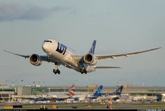 LOT - Polish Airlines / Polskie Linie Lotnicze SP-LRD Boeing 787-8 Dreamliner aircraft picture