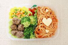 Valentine's Day Bento: Spaghetti, meatballs & veg