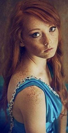 You are in the right place about red hair boy Here we offer you the most beautiful pictures about th Red Hair Freckles, Redheads Freckles, Freckles Girl, Beautiful Freckles, Beautiful Red Hair, Gorgeous Redhead, Fire Red Hair, Red Heads Women, Costume Noir