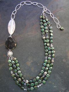 Asimmetrico perla e pietra collana