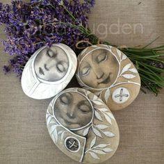 goldeneggstudio: Linen lavender and rocks