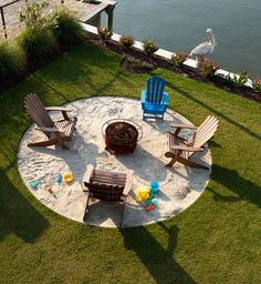 Hottest fire pit ideas brick outdoor living that won't break the bank. Find beautiful outdoor diy fire pit ideas and fireplace designs that let you get as simple or as fancy as your time and budget allow for building or improve a your backyard fire pit. Backyard Beach, Fire Pit Backyard, Backyard Landscaping, Backyard Ideas, Landscaping Ideas, Pool Ideas, Firepit Ideas, Patio Ideas For Summer, Backyard Patio