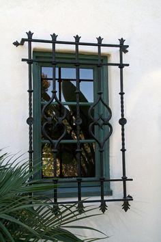 Spanish style homes – Mediterranean Home Decor Spanish Revival Home, Spanish Style Homes, Spanish House, Spanish Colonial, Spanish Exterior, Colonial Exterior, Boho Glam Home, Mexican Hacienda, Hacienda Style
