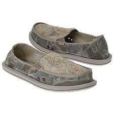 So cute Sanuk shoes